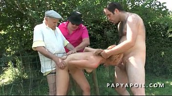 a ay hacer voy papi Mature piss on slave