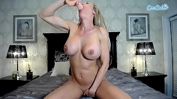 pussy hard spreading she cums and up her open Teen babe rocks out topless wearing headphones and kinky boots